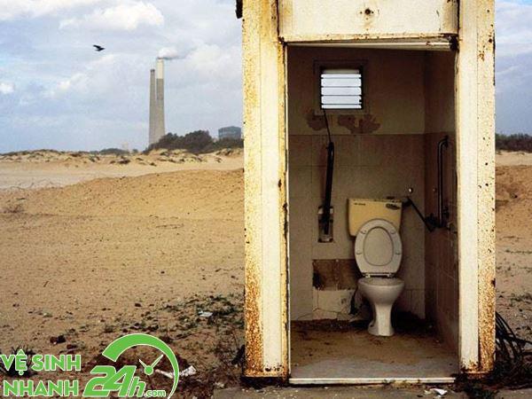 Mơ thấy nhà vệ sinh bẩn cảnh báo điều gì
