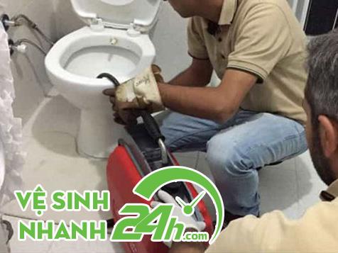 Máy móc thi công thông tắc bồn cầu Hòa Khánh Nam