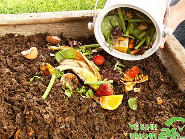 Tạo phân compost bằng rác hữu cơ