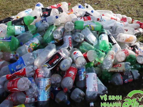 Nhựa là tiêu biểu cho rác vô cơ có thể tái chế được